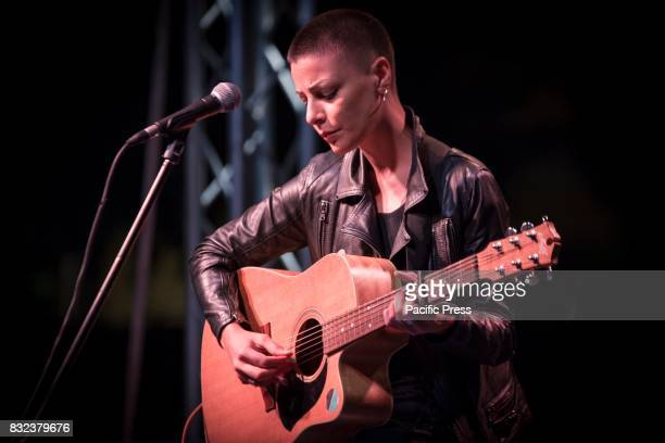 Roberta Carrese singer and interpreter arrives in the final as second ranked at The Voice of Italy 2015 in concert at Fiorino sull'Arno in Florence