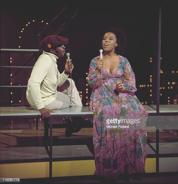 Roberta Flack and Danny Hatthaway perform on a BBC TV show London 1973
