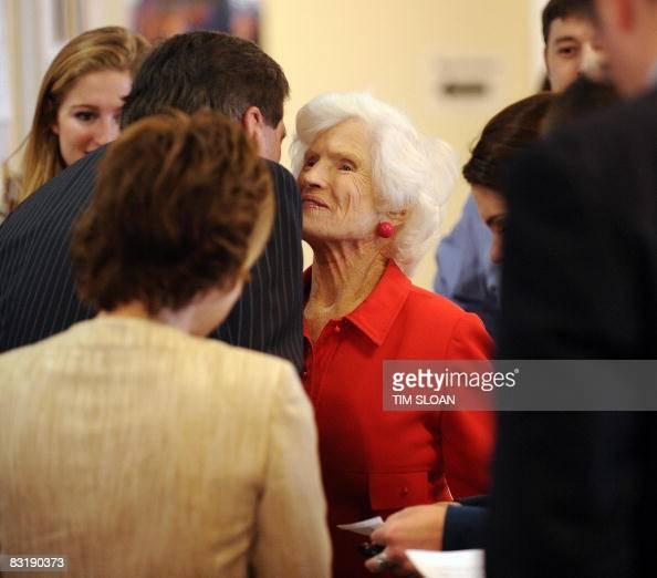 Roberta Mccain: Roberta Sloan Stock Photos And Pictures