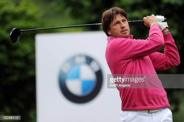 RobertJan Derksen of Netherlands tees off on the first hole during the first round of the BMW International Open at the Munich North Eichenried Golf...