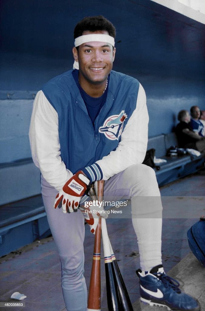 Roberto Alomar of the Toronto Blue Jays poses for a photo circa 1990s.