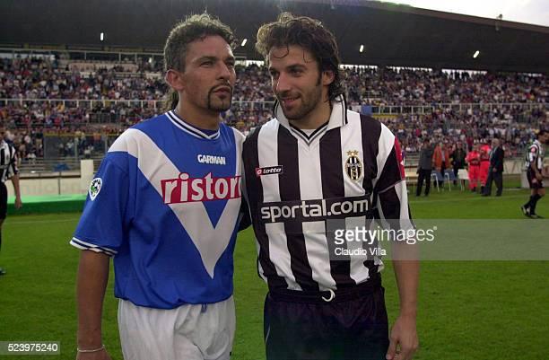 Roberto Baggio of Brescia Calcio and Alessandro Del Piero of Juventus FC pose for a photo prior to the Italy Cup match played at Brescia