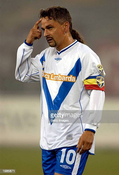 Roberto Baggio of Brescia in action during the Serie A match between Torino and Brescia played at the Stadio Delle Alpi Turin Italy on November 2 2002