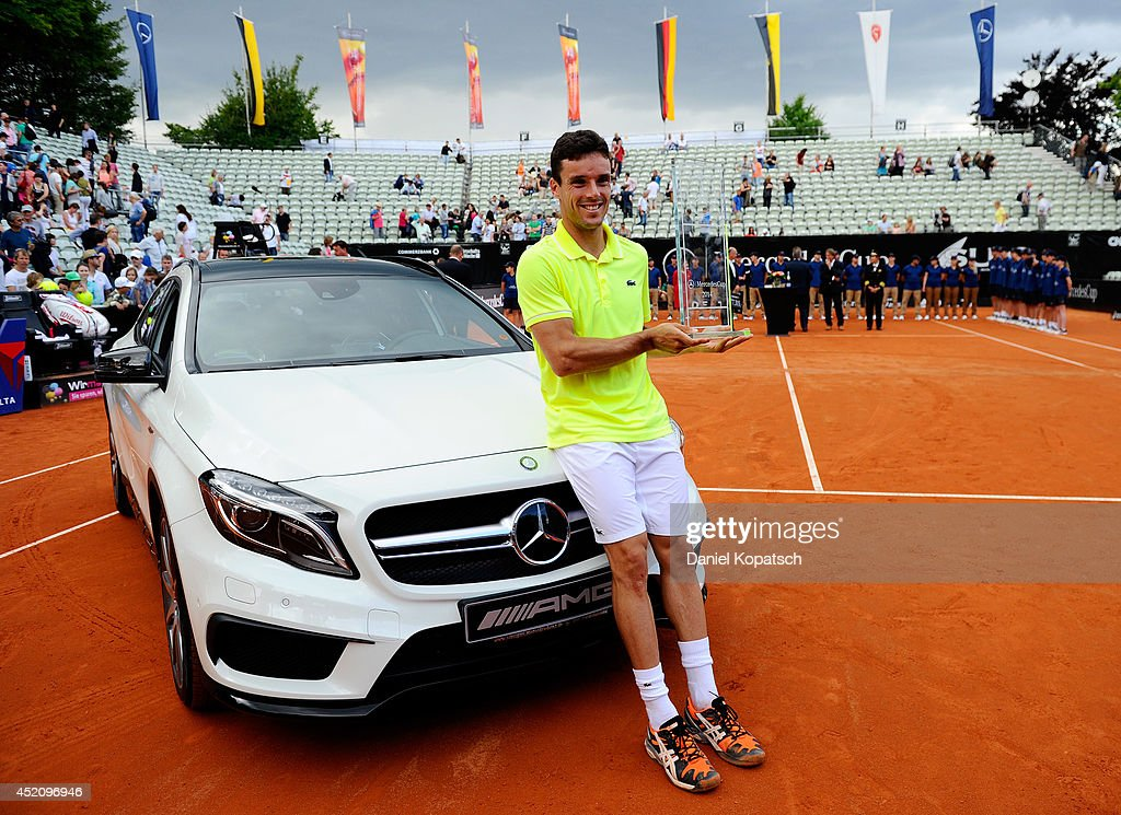 photo of Roberto Bautista-Agut Mercedes - car