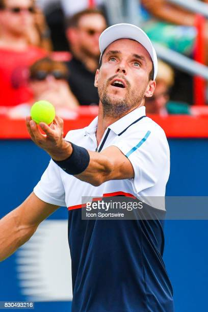 Roberto Bautista Agut serves the ball during his quarterfinal match at ATP Coupe Rogers on August 11 at Uniprix Stadium in Montreal QC