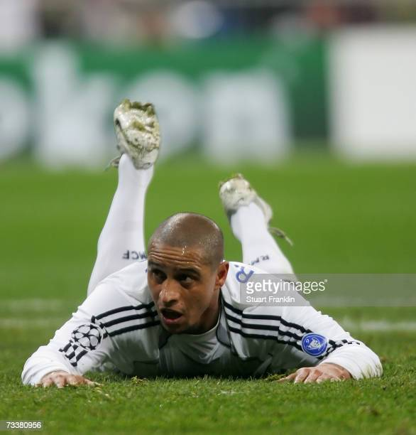 Roberto Carlos of Madrid during the UEFA Champions League round of 16 first leg match between Real Madrid and Bayern Munich at the Santiago Bernabeu...