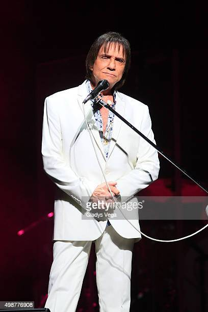 Roberto Carlos performs at Coliseo Jose M Agrelot on November 25 2015 in San Juan Puerto Rico