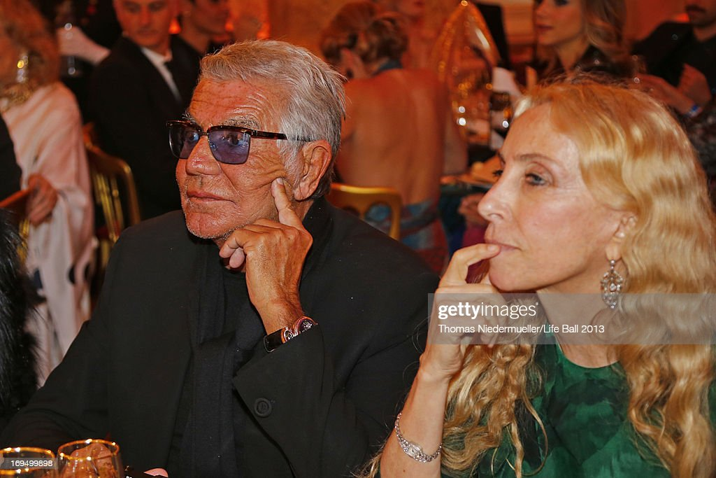 Roberto Cavalli and <a gi-track='captionPersonalityLinkClicked' href=/galleries/search?phrase=Franca+Sozzani&family=editorial&specificpeople=639425 ng-click='$event.stopPropagation()'>Franca Sozzani</a> attends the 'AIDS Solidarity Gala 2013' at Hofburg Vienna on May 25, 2013 in Vienna, Austria.