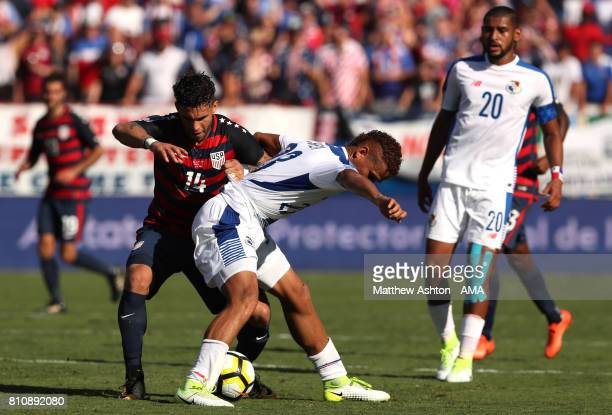 Roberto Chen of Panama tangles with Dom Dwyer of the United States during the 2017 CONCACAF Gold Cup Group B match between the United States and...