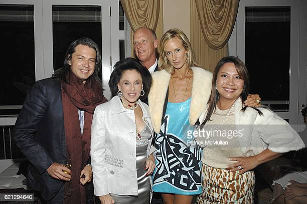 Roberto Devillacis Nikki Haskell Robert Duvall Lady Victoria Hervey and Taryn Rose attend The Vision and Art of SHINJO ITO Opening Night Dinner at...