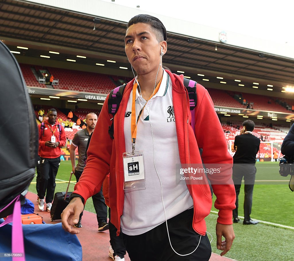 <a gi-track='captionPersonalityLinkClicked' href=/galleries/search?phrase=Roberto+Firmino&family=editorial&specificpeople=7522629 ng-click='$event.stopPropagation()'>Roberto Firmino</a> of Liverpool arrives before the UEFA Europa League Semi Final: Second Leg match between Liverpool and Villarreal CF at Anfield on May 05, 2016 in Liverpool, England.