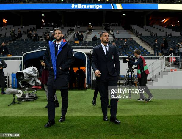 Roberto Gagliardini and Danilo D'Ambrosio of Italy look on during Italy walk around at Friends Arena on November 9 2017 in Stockholm Sweden