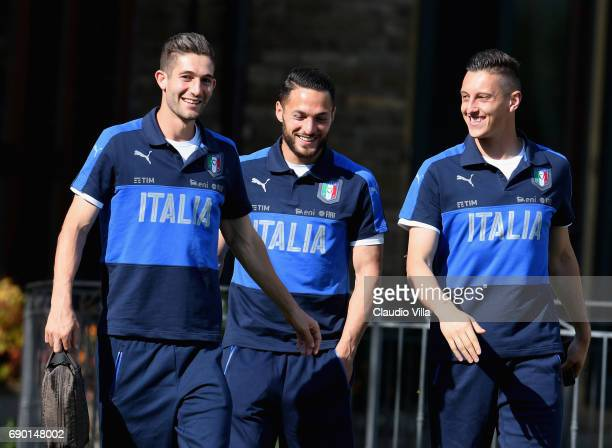 Roberto Gagliardini Danilo D'Ambrosio and Pierluigi Gollini of Italy look on during the atraining session at Coverciano at Coverciano on May 30 2017...