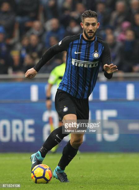 Roberto Gagliardini of FC Internazionale in action during the Serie A match between FC Internazionale and Torino FC at Stadio Giuseppe Meazza on...