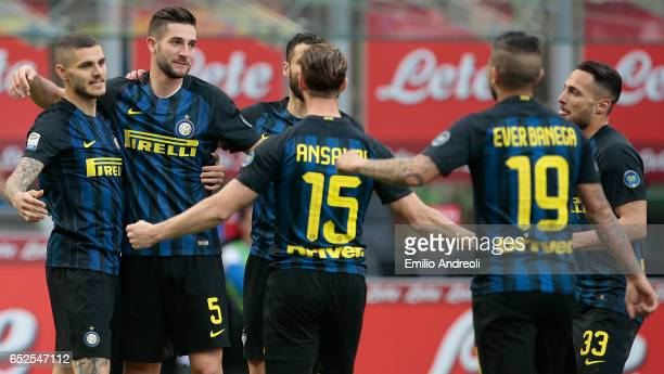 Roberto Gagliardini of FC Internazionale Milano celebrates his goal with his teammate Mauro Emanuel Icardi during the Serie A match between FC...