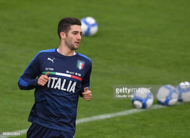Roberto Gagliardini of Italy in action during the training session at the club's training ground at Coverciano on March 20 2017 in Florence Italy