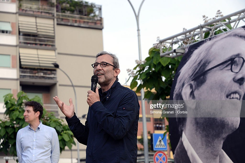 Roberto Giachetti candidate of the center-left for mayor of Rome speaks as he attends a public meeting in Piazza dei Mirti in Centocelle, on May 28, 2016 in Rome, Italy.