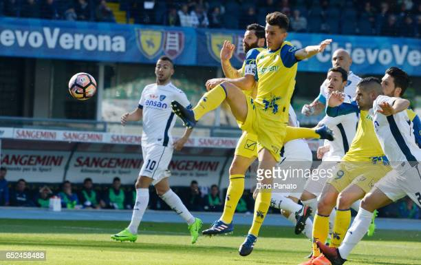 Roberto Inglese and Sergio Pellissier of ChievoVerona competes during the Serie A match between AC ChievoVerona and Empoli FC at Stadio Marc'Antonio...