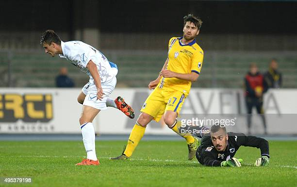 Roberto Inglese of Chievo Verona Celebrates after scoring his team's first goal during the Serie A match between AC Chievo Verona and UC Sampdoria at...