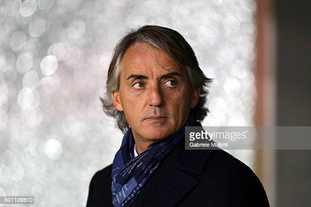 Roberto Mancini head coach of FC Internazionale Milano looks on during the Serie A match betweeen Udinese Calcio and FC Internazionale Milano at...