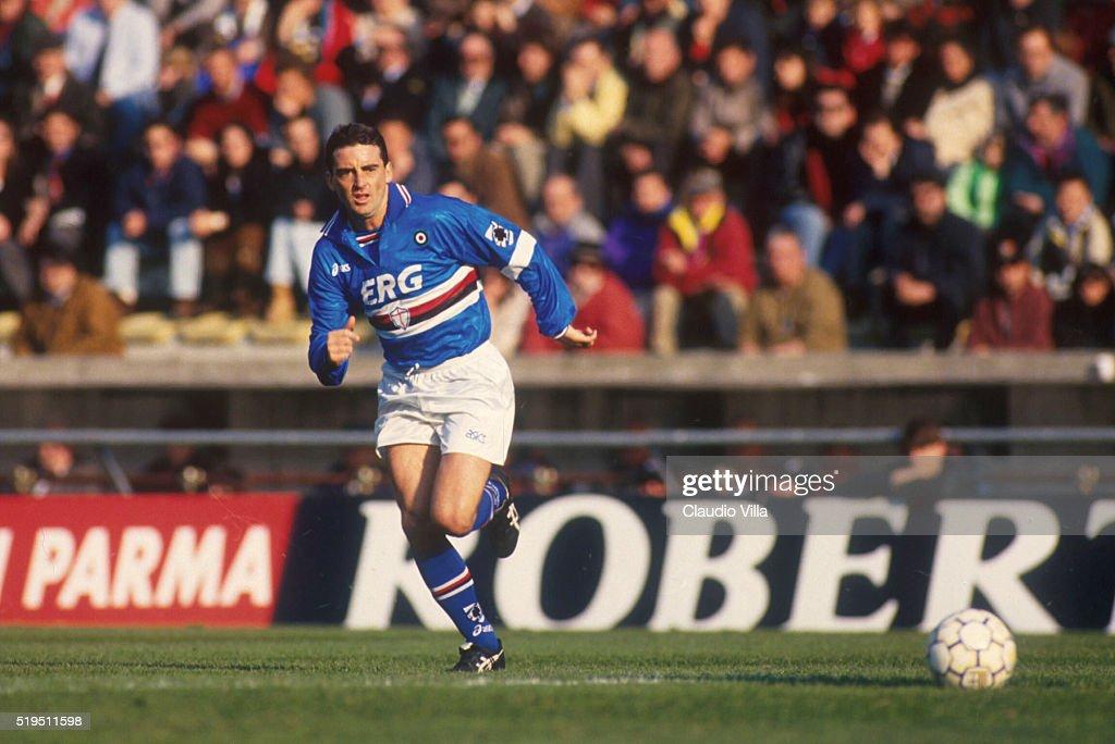 Roberto Mancini of UC Sampdoria in action during Serie A match between Parma and Sampdoria played at Stadio Ennio Tardini in Parma