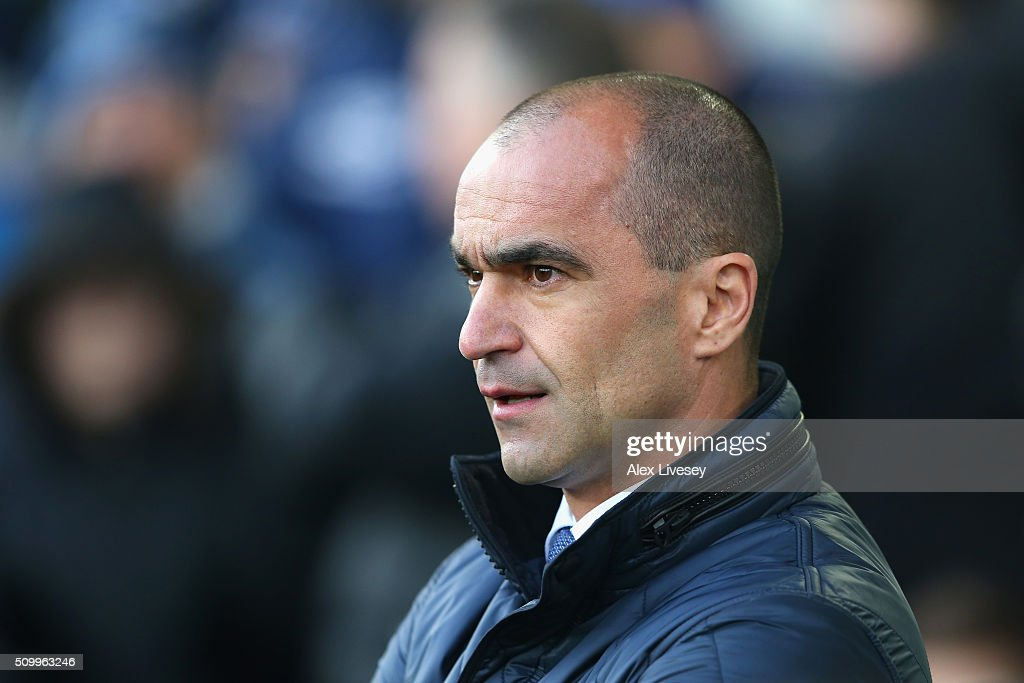 Roberto Martinez Manager of Everton looks on the Barclays Premier League match between Everton and West Bromwich Albion at Goodison Park on February 13, 2016 in Liverpool, England.
