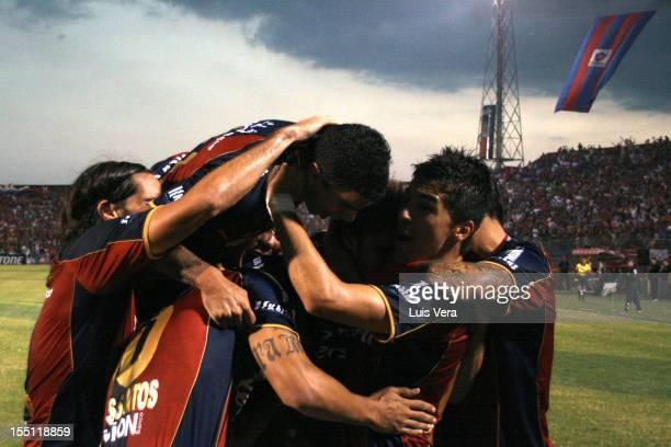 Roberto Nanni of Cerro Porteño celebrates a scored goal against Tigre during the match between Cerro Porteño vs Tigre as part of the Bridgestone...