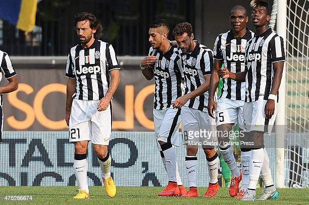 Roberto Pereyra of Juventus FC celebrates after scroing the opening goal during the Serie A match between Hellas Verona FC and Juventus FC at Stadio...