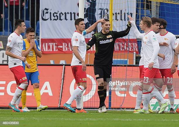 Roberto PuncecMirko Boland of Eintracht Braunschweig Damir Kreilach Daniel Haas Sebastian Polter and Fabian Schoenheim of 1 FC Union Berlin during...