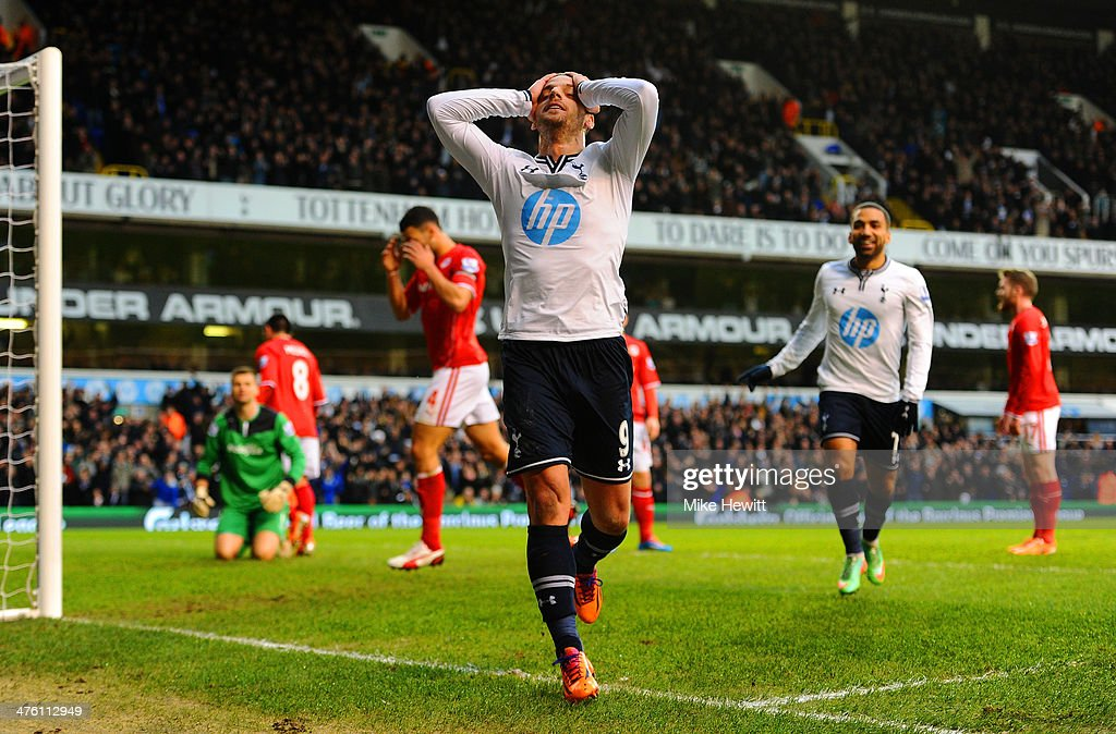 <a gi-track='captionPersonalityLinkClicked' href=/galleries/search?phrase=Roberto+Soldado&family=editorial&specificpeople=2095686 ng-click='$event.stopPropagation()'>Roberto Soldado</a> of Tottenham Hotspur celebrates scoring the opening goal during the Barclays Premier League match between Tottenham Hotspur and Cardiff City at White Hart Lane on March 2, 2014 in London, England.