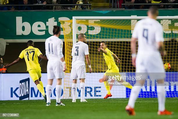Roberto Soldado of Villarreal CF celebrates after scoring the opening goal during the La Liga match between Villarreal CF and Real Madrid CF at El...