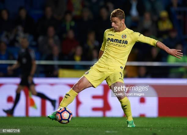 Roberto Soldado of Villarreal in action during the La Liga match between Villarreal CF and Real Sporting de Gijon at Estadio de la Ceramica on April...