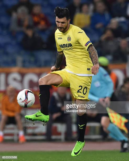 Roberto Soriano of FC Villareal in action during the UEFA Europa League Round of 32 second leg match between AS Roma and FC Villarreal at Stadio...