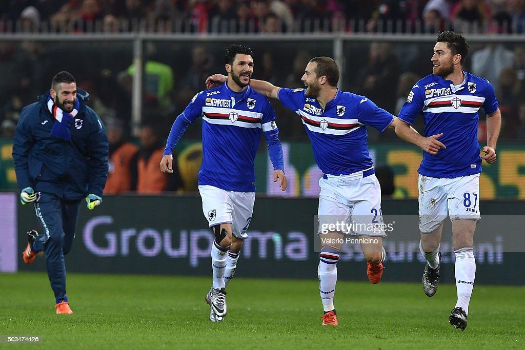 Roberto Soriano of UC Sampdoria celebrates after scoring the opening goal with team mates during the Serie A match between Genoa CFC and UC Sampdoria...