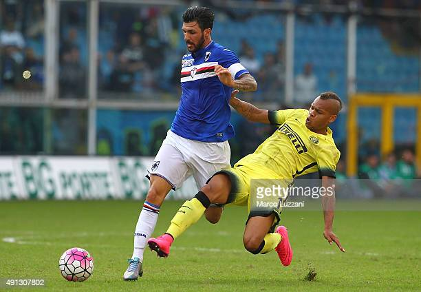 Roberto Soriano of UC Sampdoria competes for the ball with Jonathan Biabiany of FC Internazionale Milano during the Serie A match between UC...