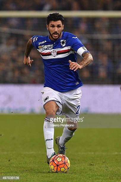 Roberto Soriano of UC Sampdoria in action during the Serie A match between UC Sampdoria and ACF Fiorentina at Stadio Luigi Ferraris on November 8...
