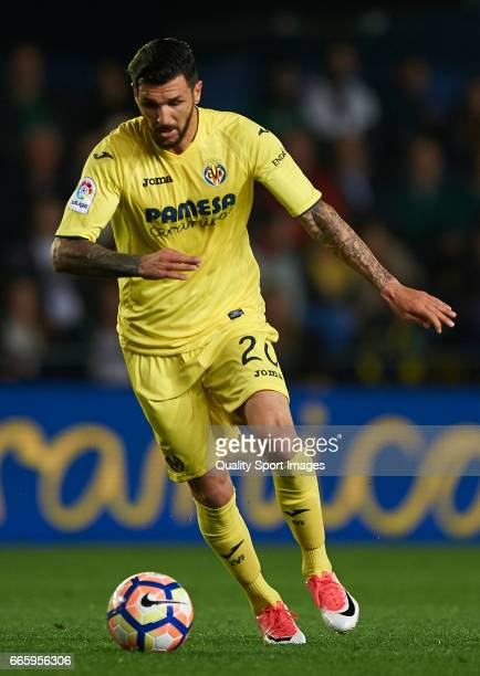 Roberto Soriano of Villarreal in action during the La Liga match between Villarreal CF and Athletic Club at Estadio de la Ceramica on April 7 2017 in...