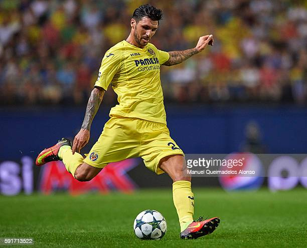 Roberto Soriano of Villarreal in action during the UEFA Champions League playoff first leg match between Villarreal CF and AS Monaco at El Madrigal...