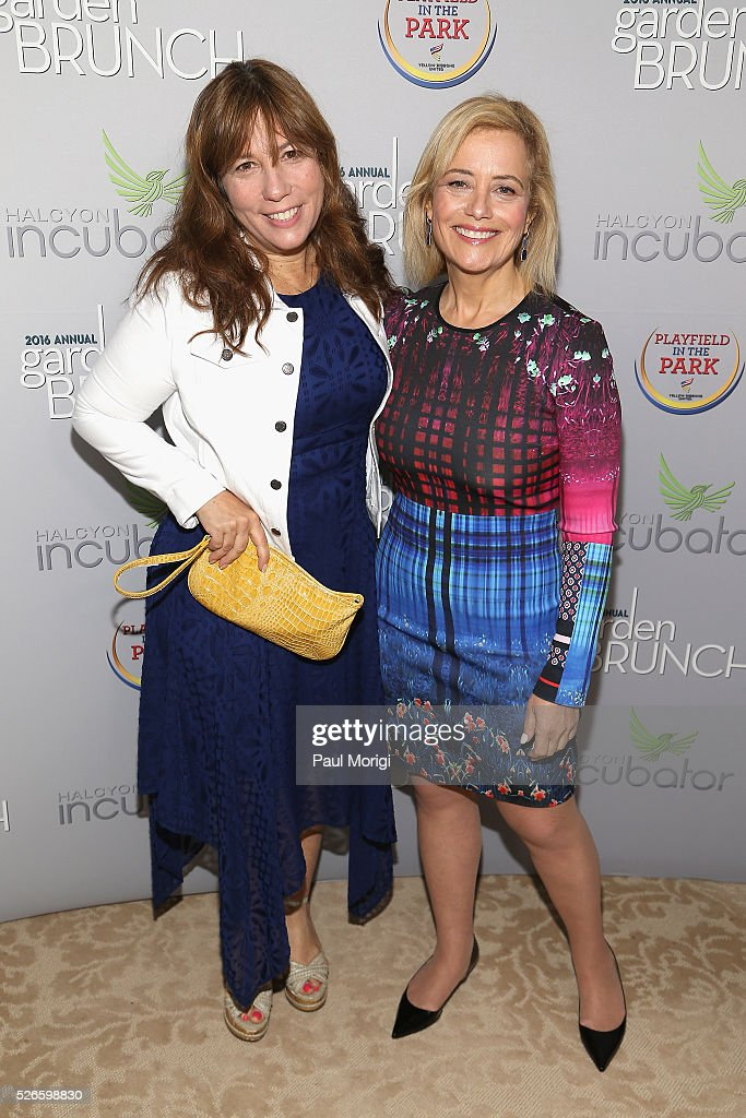 <a gi-track='captionPersonalityLinkClicked' href=/galleries/search?phrase=Robin+Bronk&family=editorial&specificpeople=653341 ng-click='$event.stopPropagation()'>Robin Bronk</a> (L) and Hilary Rosen attend the Garden Brunch prior to the 102nd White House Correspondents' Association Dinner at the Beall-Washington House on April 30, 2016 in Washington, DC.