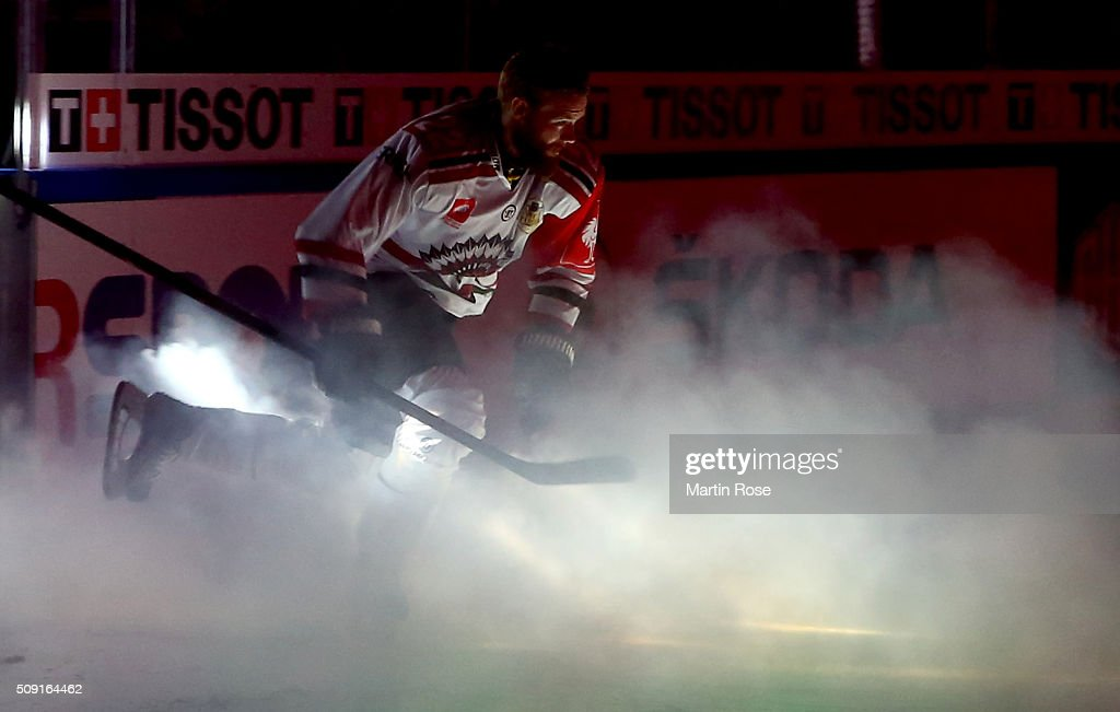 Robin Figren skates onto the ice before of Gothenburg battle for the puck during the Champions Hockey League final game between Karpat Oulu and Frolunda Gothenburg at Oulun Energia-Areena on February 9, 2016 in Oulu, Finland.