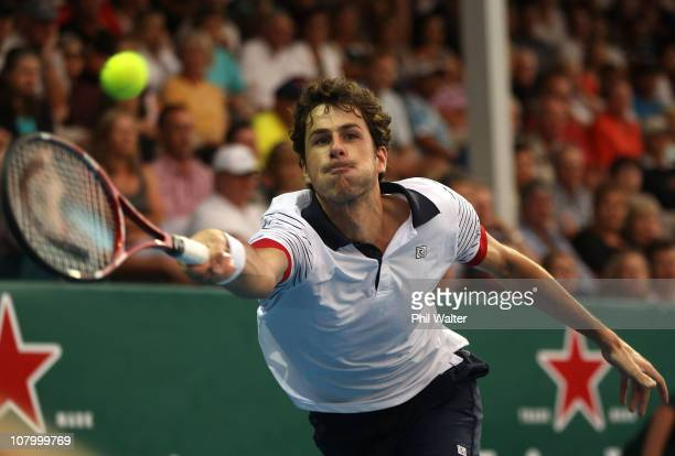 Robin Haase of the Netherlands plays a forehand during his match against John Isner of the USA on day three of the Heineken Open at the ASB Tennis...