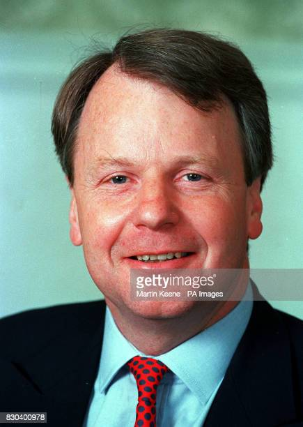 Robin Janvrin assistant Private Secretary to the Queen 7/4/01 Janvrin met with the Countess of Wessex and her husband Prince Edward at their Bagshot...