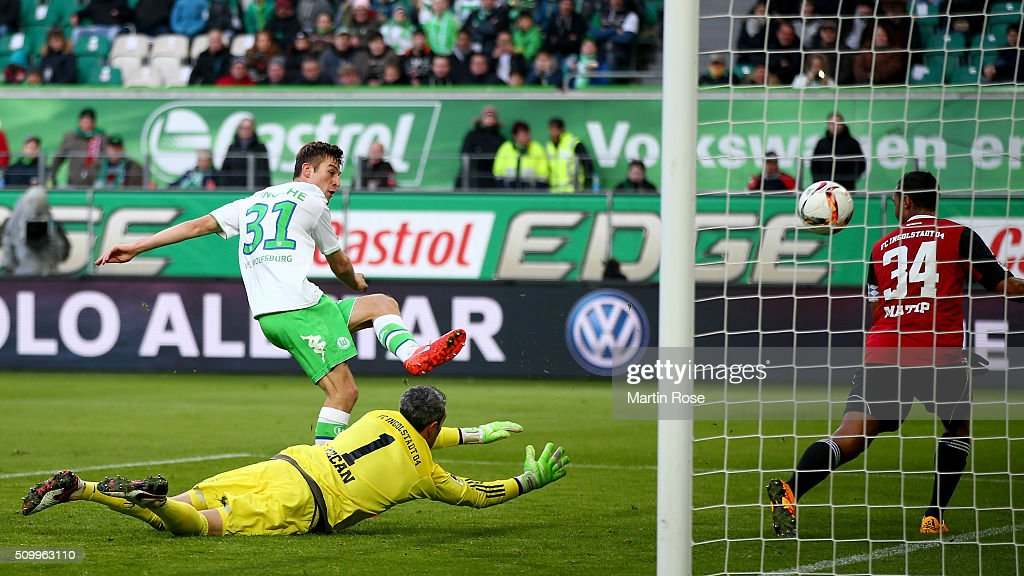 Robin Knoche #31 of Wolfsburg is scoring the 2nd goal during the Bundesliga match between VfL Wolfsburg and FC Ingolstadt at Volkswagen Arena on February 13, 2016 in Wolfsburg, Germany.