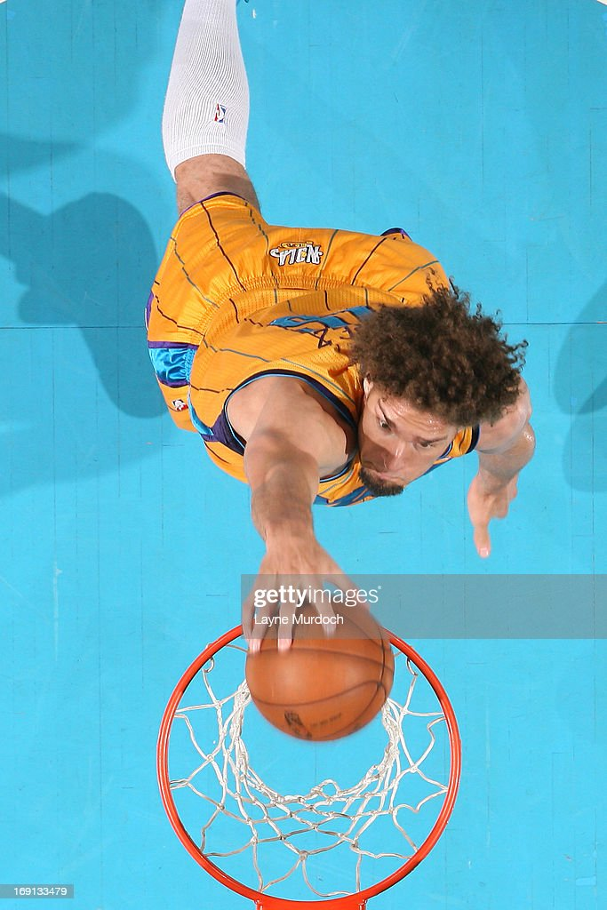 Robin Lopez #15 of the New Orleans Hornets dunks against the Los Angeles Clippers on April 12, 2013 at the New Orleans Arena in New Orleans, Louisiana.