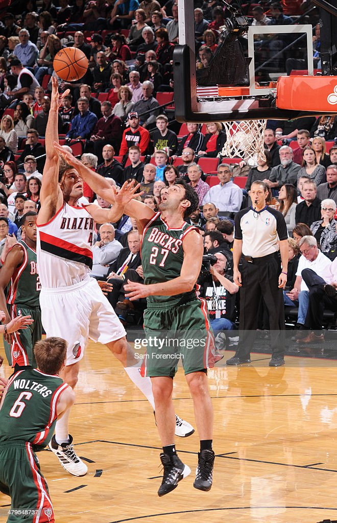 Robin Lopez #42 of the Portland Trail Blazers shoots the ball against the Milwaukee Bucks on March 18, 2014 at the Moda Center Arena in Portland, Oregon.