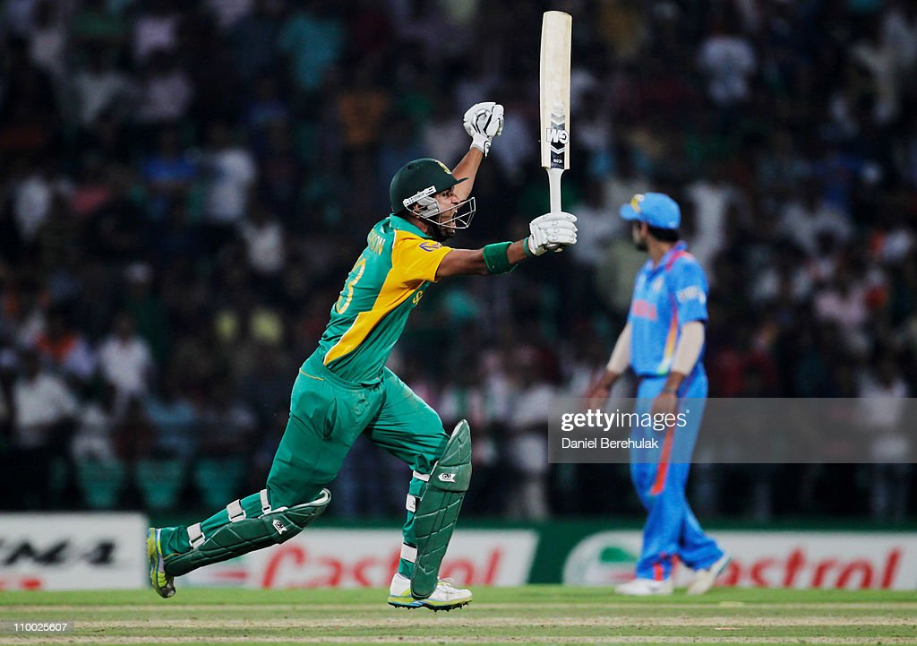 <a gi-track='captionPersonalityLinkClicked' href=/galleries/search?phrase=Robin+Peterson&family=editorial&specificpeople=843359 ng-click='$event.stopPropagation()'>Robin Peterson</a> of South Africa celebrates after scoring the winning runs during the Group B ICC World Cup Cricket match between India and South Africa at Vidarbha Cricket Association Ground on March 12, 2011 in Nagpur, India.