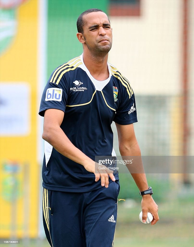 <a gi-track='captionPersonalityLinkClicked' href=/galleries/search?phrase=Robin+Peterson&family=editorial&specificpeople=843359 ng-click='$event.stopPropagation()'>Robin Peterson</a> of South Africa during the 3rd T20 International match between South Africa and New Zealand at AXXESS St Georges on December 26, 2012 in Port Elizabeth, South Africa.