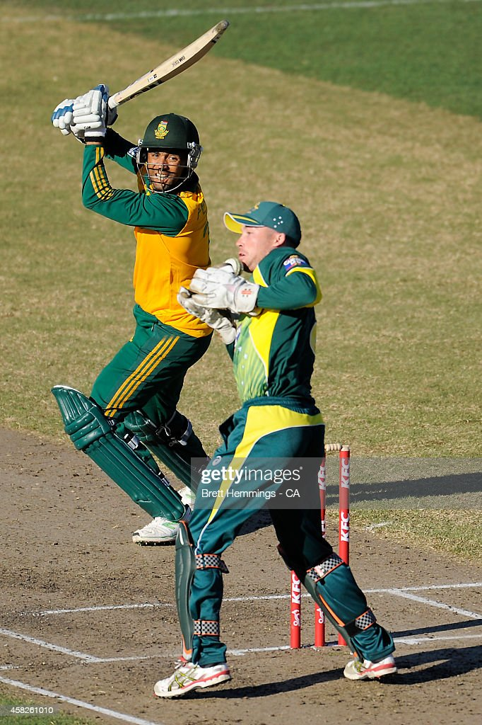 <a gi-track='captionPersonalityLinkClicked' href=/galleries/search?phrase=Robin+Peterson&family=editorial&specificpeople=843359 ng-click='$event.stopPropagation()'>Robin Peterson</a> of South Africa is caught behind by Jimmy Peirson of Australia during the Men's International Tour Twenty20 match between the Cricket Australia XI and South Africa at North Sydney Oval on November 2, 2014 in Sydney, Australia.