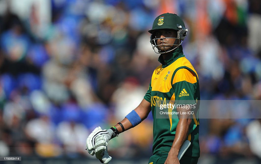 <a gi-track='captionPersonalityLinkClicked' href=/galleries/search?phrase=Robin+Peterson&family=editorial&specificpeople=843359 ng-click='$event.stopPropagation()'>Robin Peterson</a> of South Africa looks angry as he leaves the field after being run out during the ICC Champions Trophy group B match between India and South Africa at Cardiff Stadium on June 6, 2013 in Cardiff, Wales.