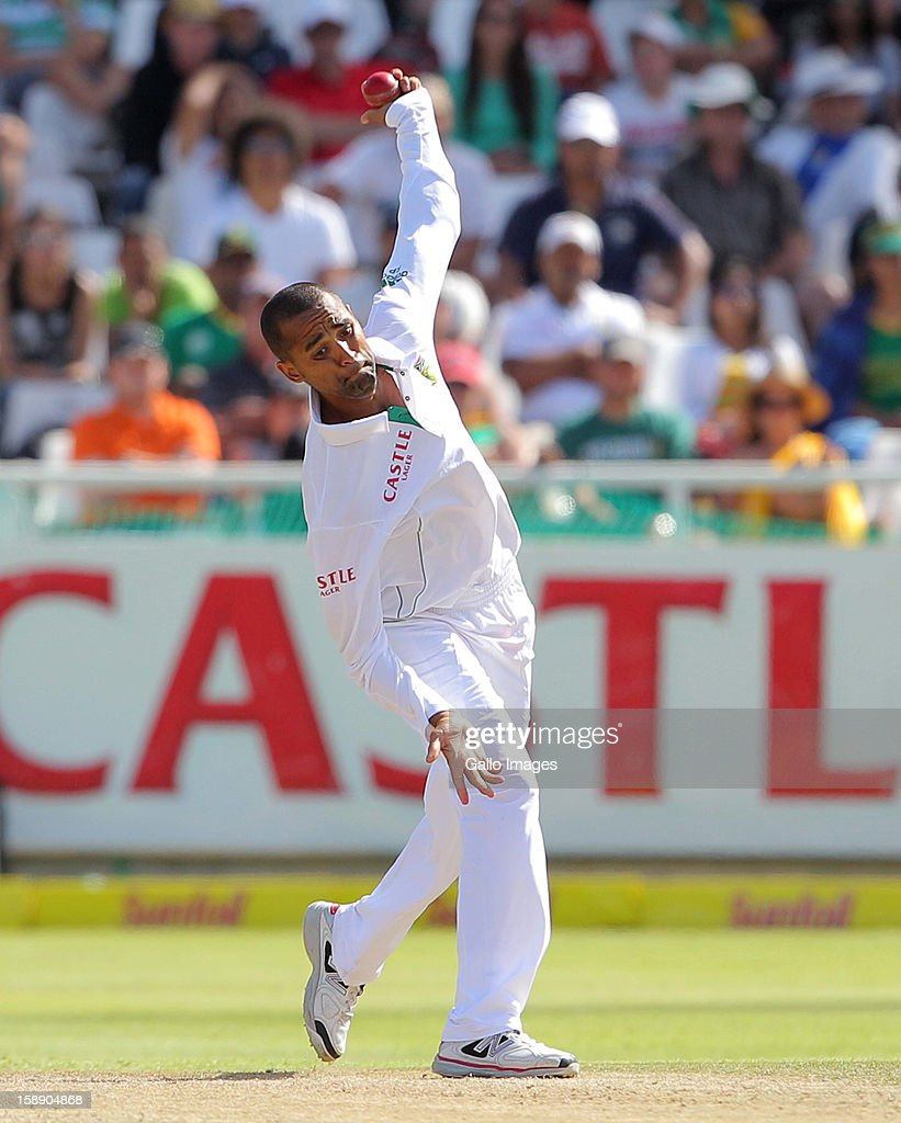<a gi-track='captionPersonalityLinkClicked' href=/galleries/search?phrase=Robin+Peterson&family=editorial&specificpeople=843359 ng-click='$event.stopPropagation()'>Robin Peterson</a> of the Proteas during day 2 of the 1st Test between South Africa and New Zealand at Sahara Park Newlands on January 03, 2013 in Cape Town, South Africa.
